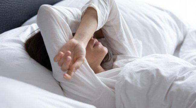 9 saatten fazla uyuyorsanız kendinizi tehlikeye atıyorsunuz!