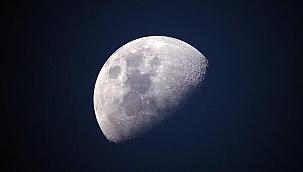 200 TL'ye Ay'dan arsa satılıyor