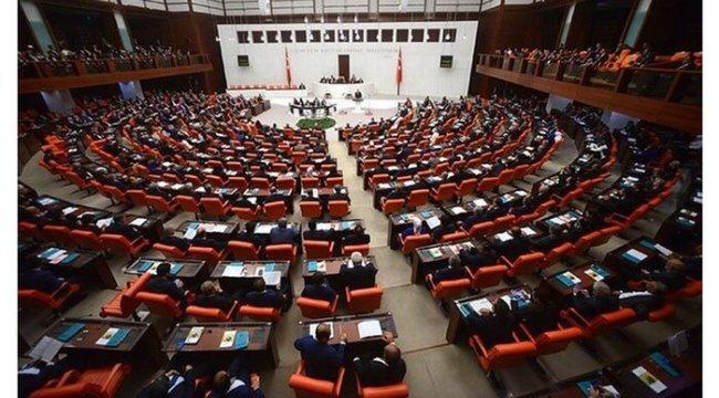 MHP'nin 'HDP kapatılsın' çağrısı karşısında AKP'de hangi görüş ağırlık kazanıyor?