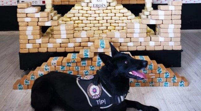 'Tipi' kamyonette yapılan aramada 204 kilo 'eroin' ele geçirildi