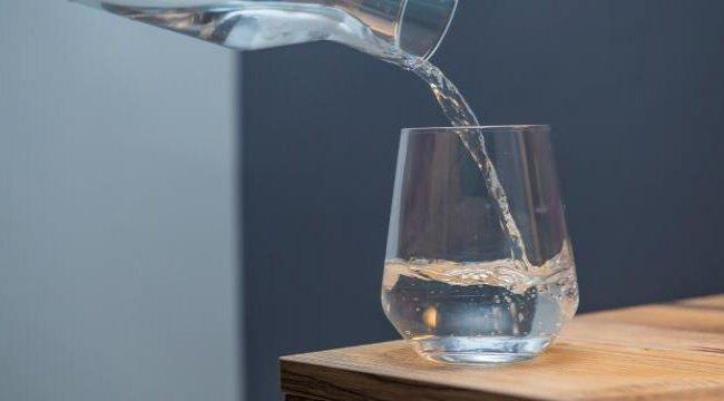 'Ramazanda iftardan sahura 12 bardak su içilmeli'