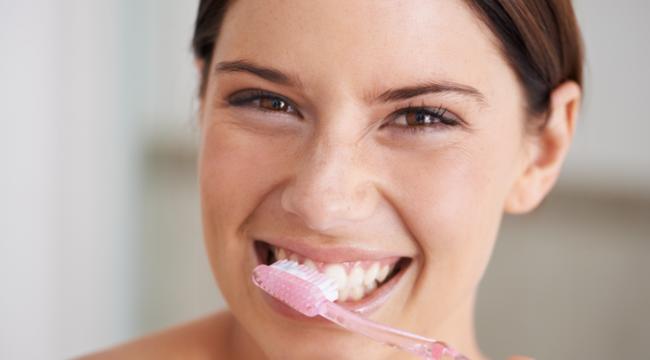 Doğru diş fırçalama tekniği nedir? Diş fırçalamak ne işe yarar?