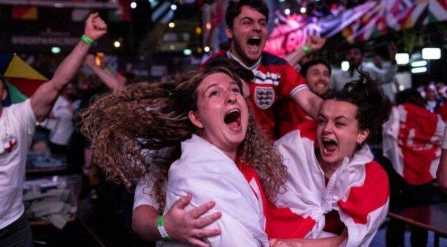 EURO 2020 yarı finali İngiliz basınında: '60 yaşından küçükler bu duyguyu ilk kez tadacak'