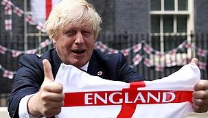 İngiltere-Danimarka maçındaki penaltı, UEFA'dan Boris Johnson'a hediye