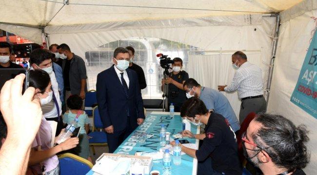 Vali, Artan Covid-19 Vakalarına Dikkat Çekerek Vatandaşları Aşı Yapmaya Davet Etti