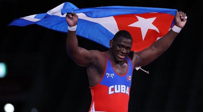 Kübalı güreşçi Lopez'den tarihi başarı! Üst üste 4 olimpiyatta altın madalya