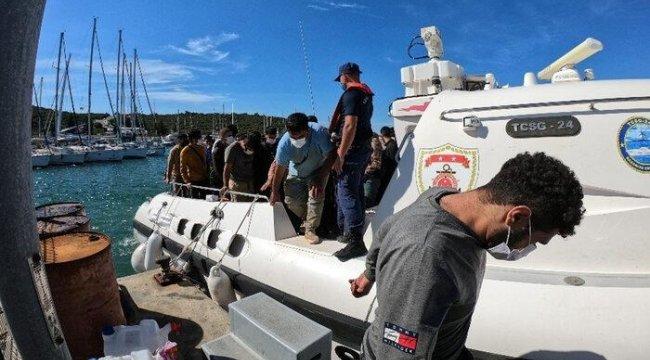 Yunanistan'ın geri ittiği göçmenler kurtarıldı