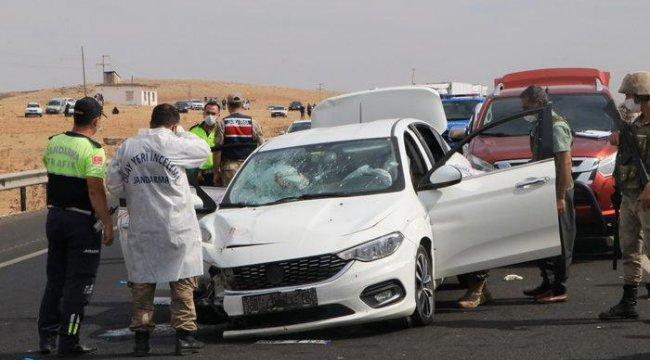 Şanlıurfa'da otomobile silahlı saldırı! Baba öldü, oğlu ağır yaralı